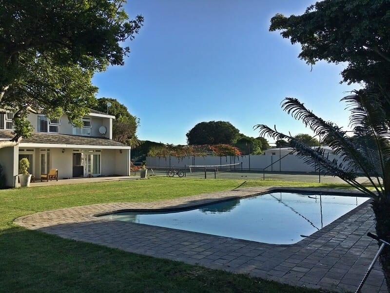 Crusader Safaris Beach House and Pool